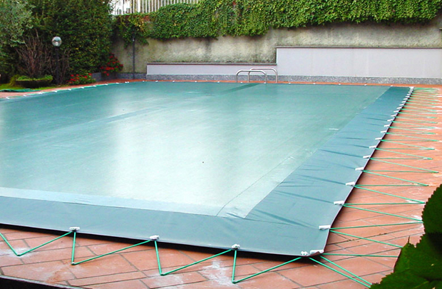 Coperture invernali per piscine con innovativo sistema for Teli per coprire piscine fuori terra