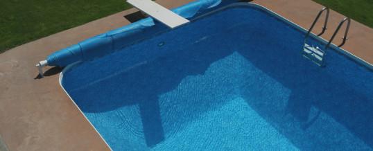 Quali vantaggi porta una copertura isotermica per piscina?